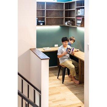 太陽光発電ZEH仕様 スキップフロアの書斎などモデルハウスを参考に